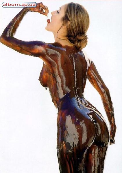 Девка в шоколаде трахается трахает самую красивую