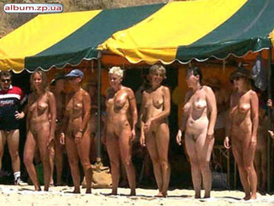 конкурс голых грудей фото